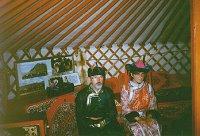 W strojach mongolskich