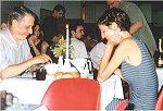 Romantyczna kolacja przy świecach..na stołówce - zwycięzcy Randki w ciemno.